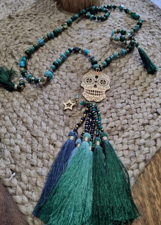 M - 002c Collar largo Fantasy Green